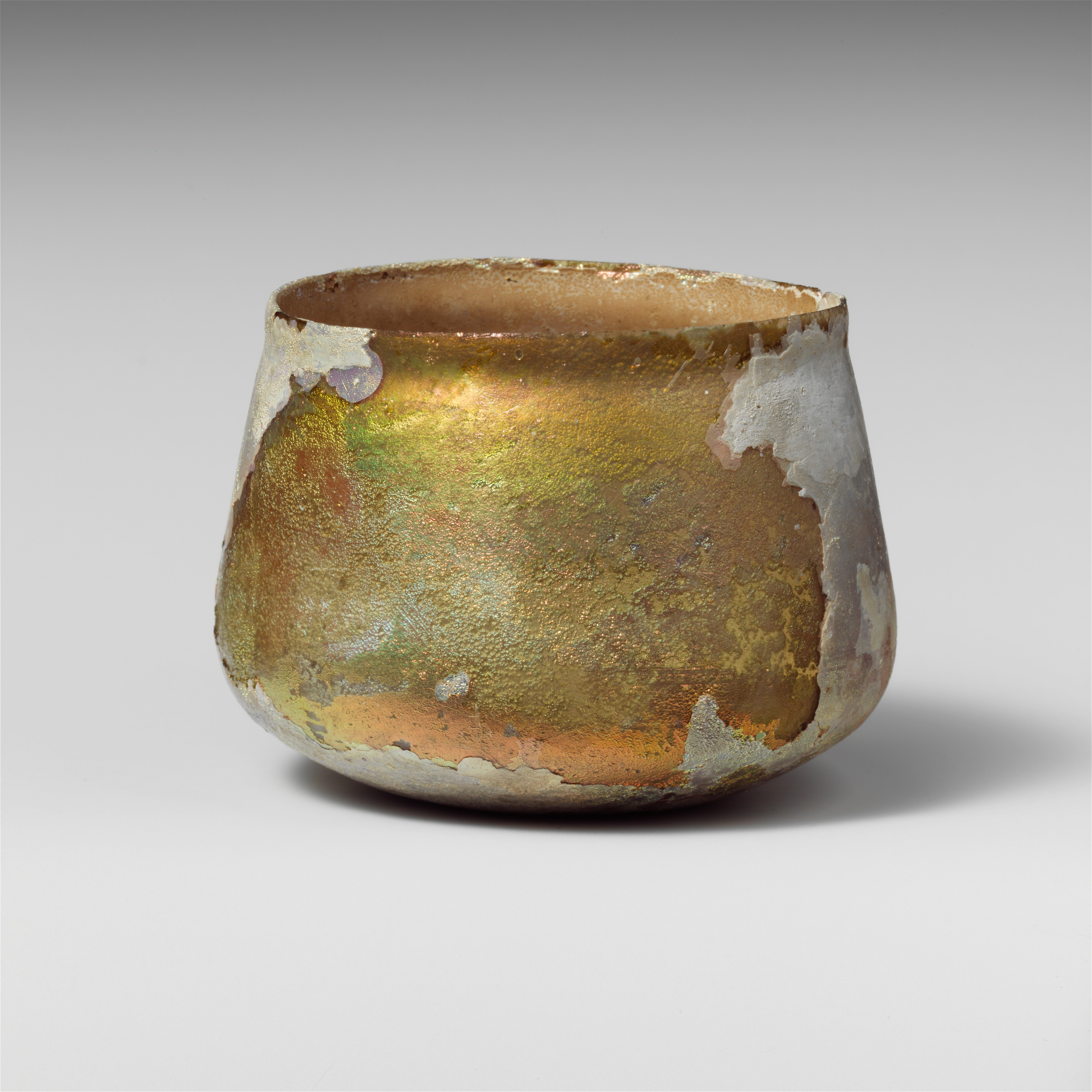 glass bowl, gold and white